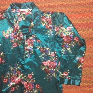 VINTAGE SILKY FLORAL BUTTON UP NIGHT SHIRT